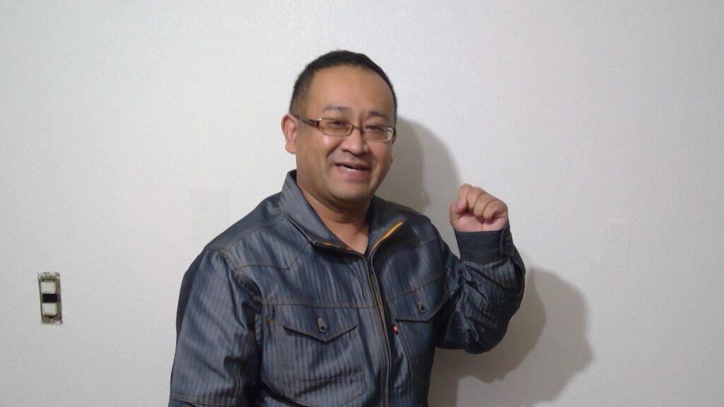 「緑川 泰友(みどりかわ やすとも)」の顔写真