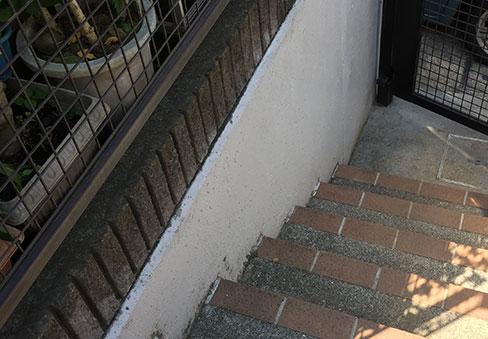 「屋外階段手すり」の施工前写真