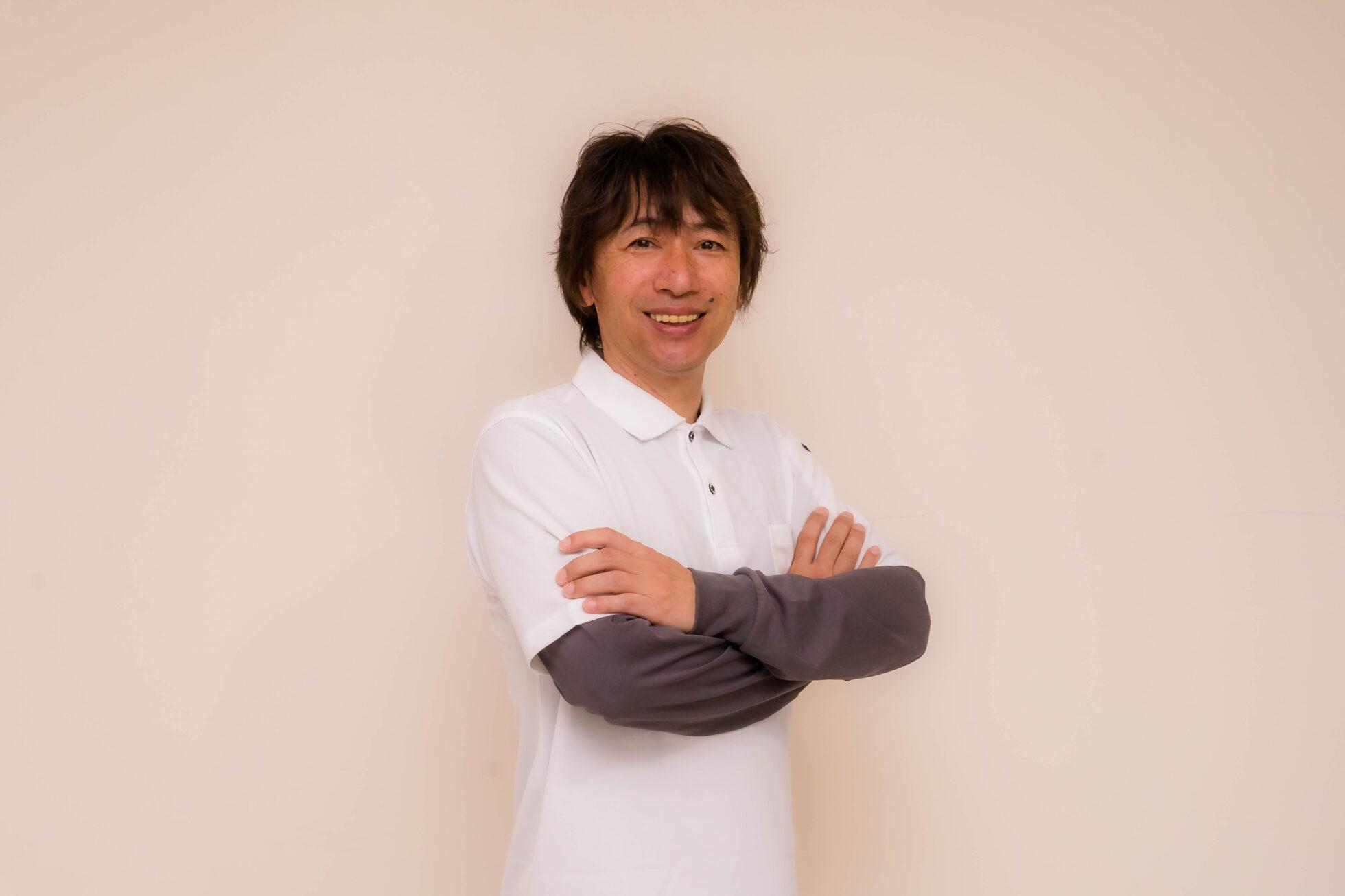 「新名 晃 (にいな あきら)」の顔写真